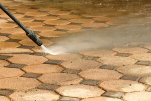 6 Tips for Choosing a Power Washing Company