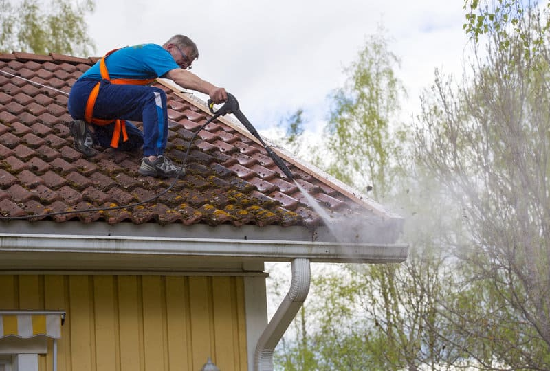 Roof Cleaning Tips For Your House