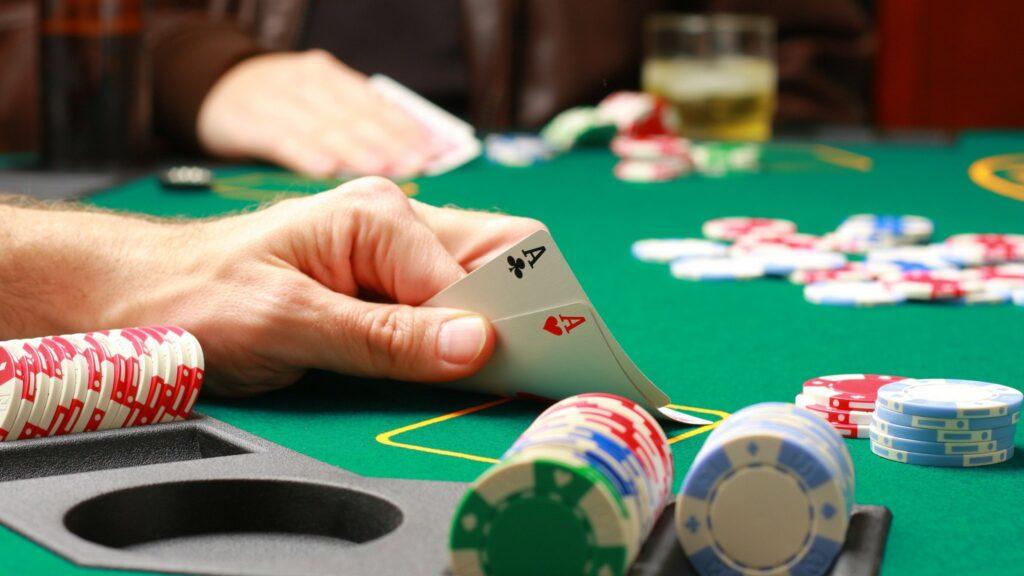 Advantages of Using a Poker Bonus